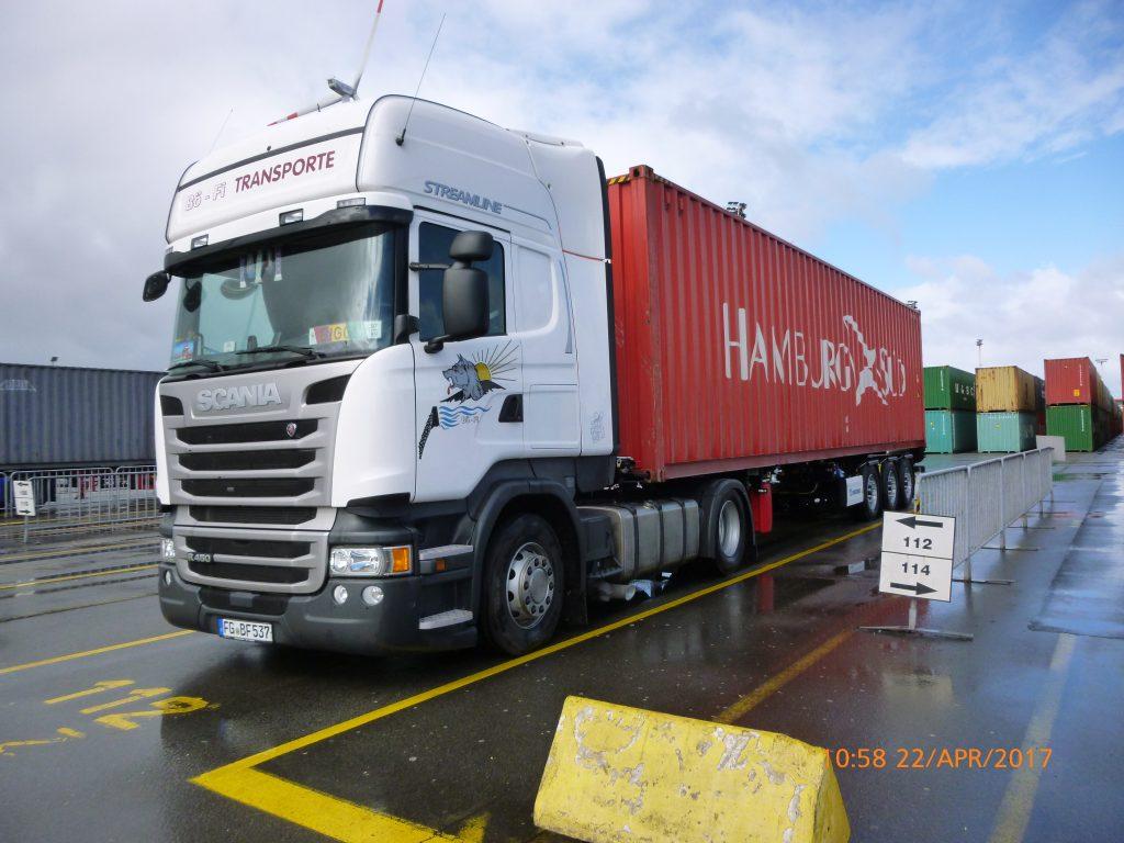 Containerfahrzeuge*